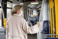 კიევში საზოგადოებრივ ტრანსპორტში მგზავრებს სამედიცინო პირბადის გარეშე არ დაუშვებენ